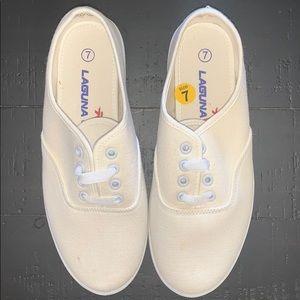 EUC Laguna Sneakers Size 7.